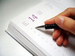 Organizar tu tiempo en una agenda laboral te ayudará a mejorar tus horas productivas.
